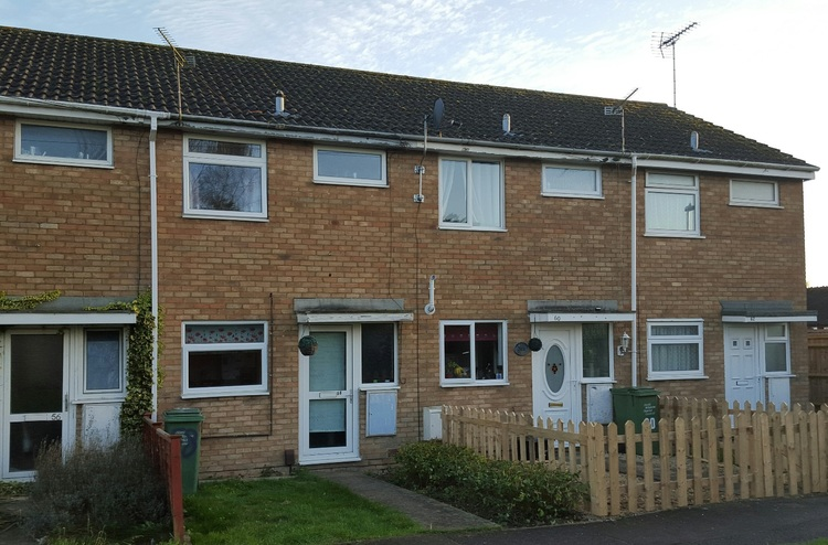 2 Bedroom Terraced House Royal Wootton Bassett Let
