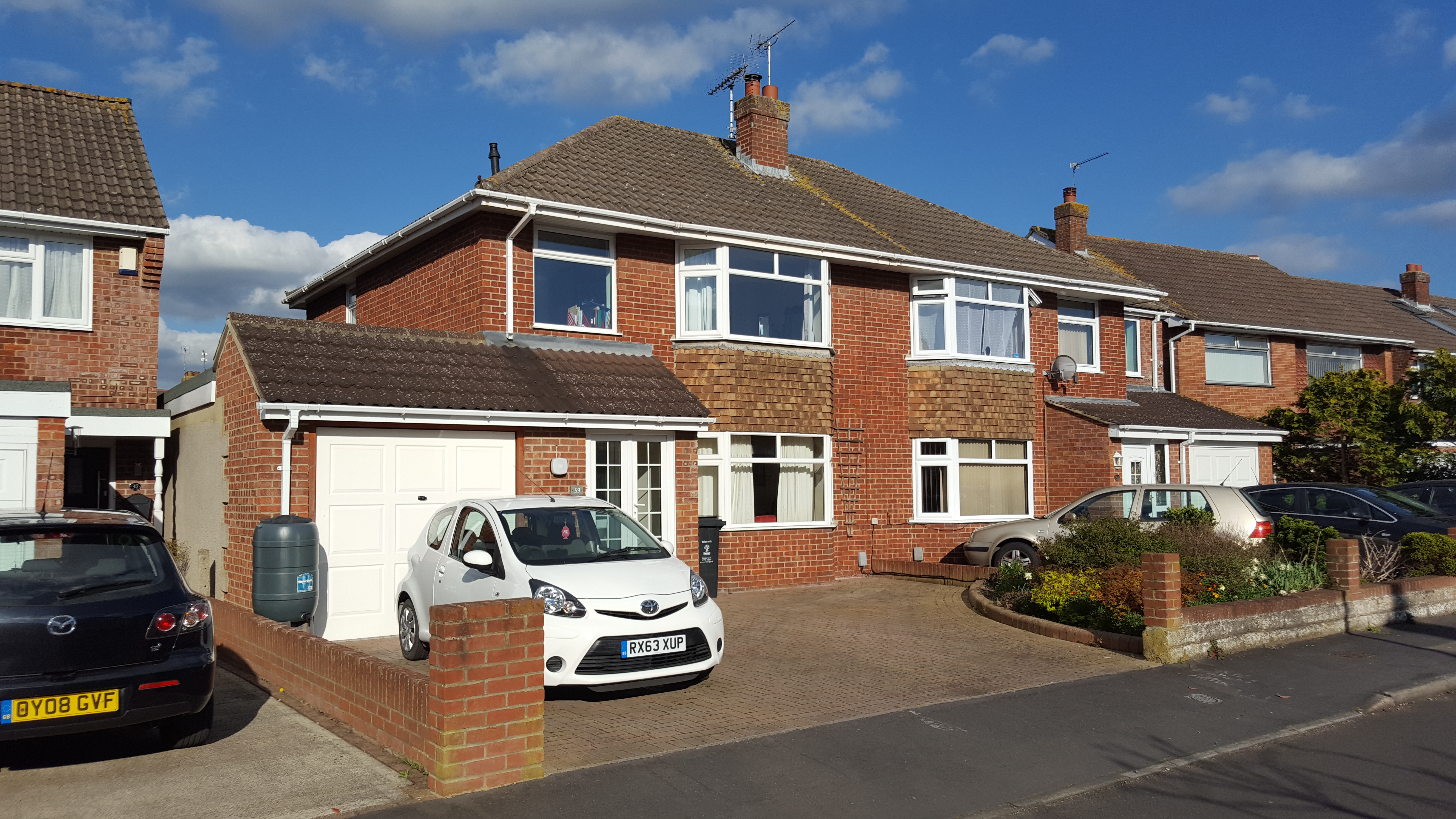 3 bedroom semi detached house stratton swindon sold for Stratton house
