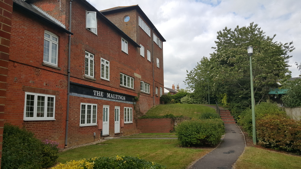1 Bedroom Apartment Private Entrance Royal Wootton Bassett Let Agreed Tydemans Residential